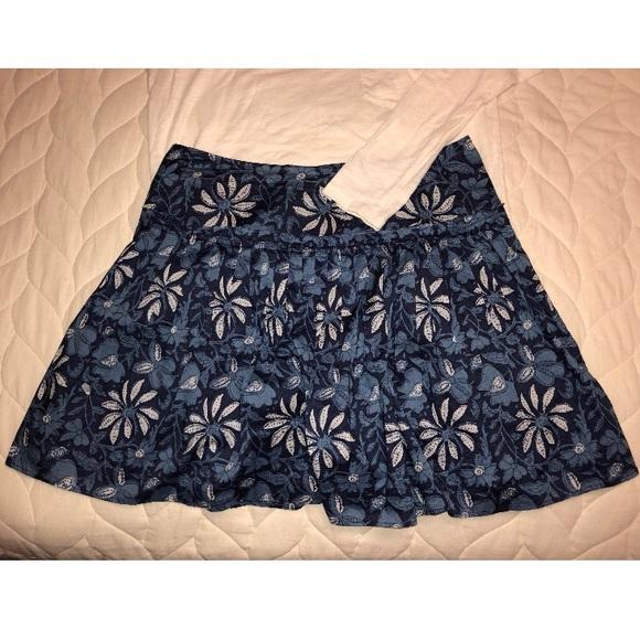 Banana Republic Dresses & Skirts - Banana Republic Navy Skirt